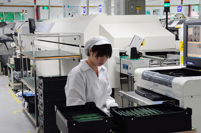 the worker are in the device manufacture factory